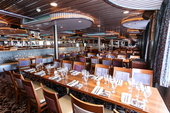 Spirit Dining Room on Carnival Imagination