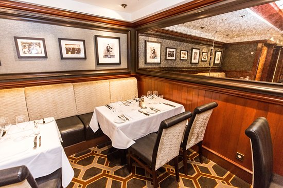 Cagney's Steakhouse on Pride of America