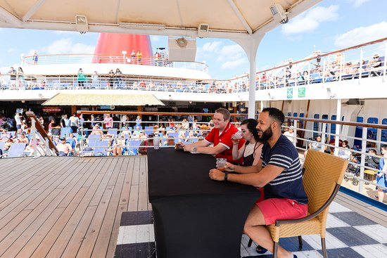 Mixologist Competition on Carnival Ecstasy