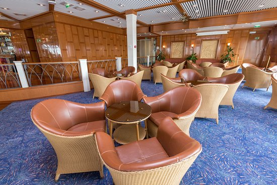 Observation Lounge on Norwegian Sun