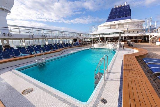 The Pool on Norwegian Sun