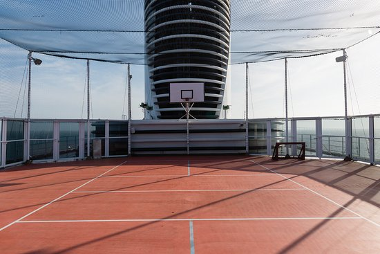 Sports Court on Oosterdam