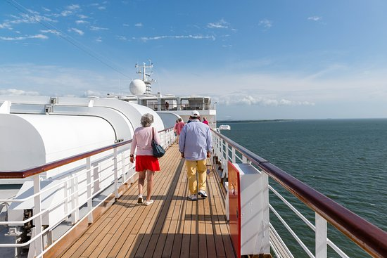 Sail-Away on Oosterdam