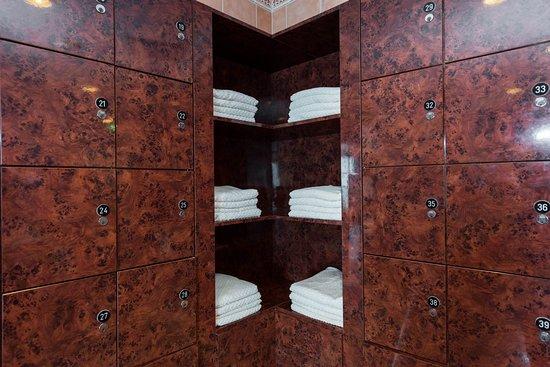 Sauna and Steam Room on Adventure of the Seas
