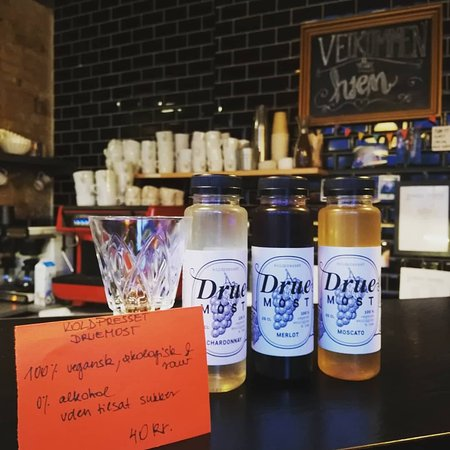 Druemost drinks - 100 % vegan, organic, alcohol free and without sugar for 40 kr.
