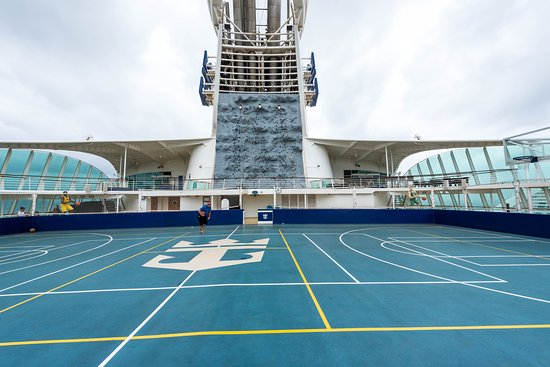 Sports Court on Adventure of the Seas