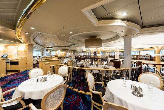Sapphire Dining Room on Adventure of the Seas