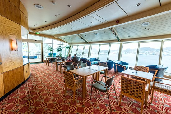 Game Room on Adventure of the Seas