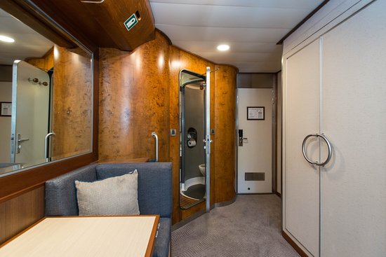 The Oceanview Cabin (Category A) on Wind Star
