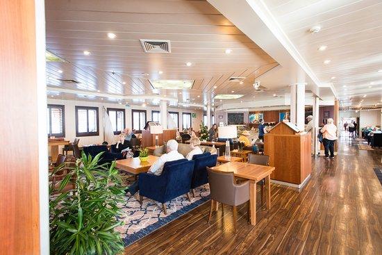 Yacht Club on Wind Surf