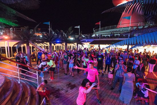 80s Rock-N-Glow Party on Carnival Fascination