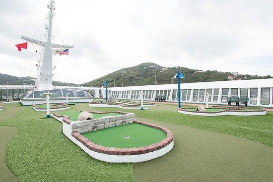 Mini-Golf on Carnival Fascination