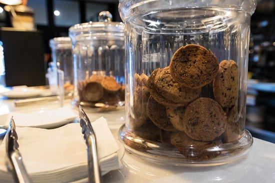 Ocean El Faro: Le Mike's café sert aussi des biscuits et des pâtisseries.