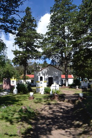 Capilla Nuestra Señora de la Merced: Capilla y cementerio