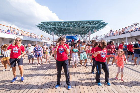 The Lido Deck on Carnival Paradise