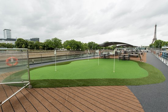 The Putting Green on ms Sapphire