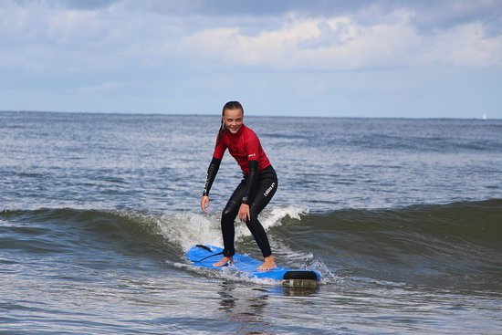 Castricum, Nederland: The North Sea offers great waves for beginner and intermediate surfers