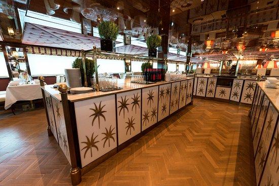 Restaurant Le Pigalle on Joie de Vivre
