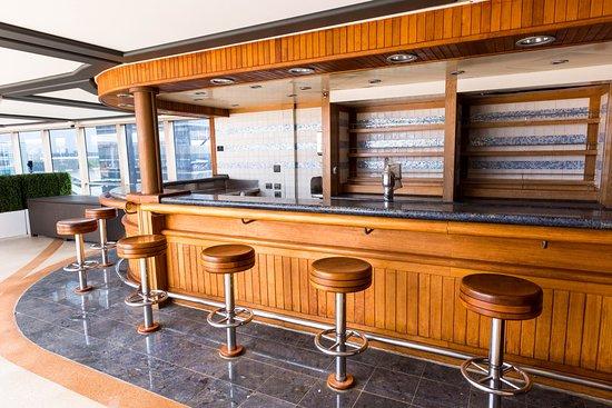 Pavilion Bar on Queen Victoria