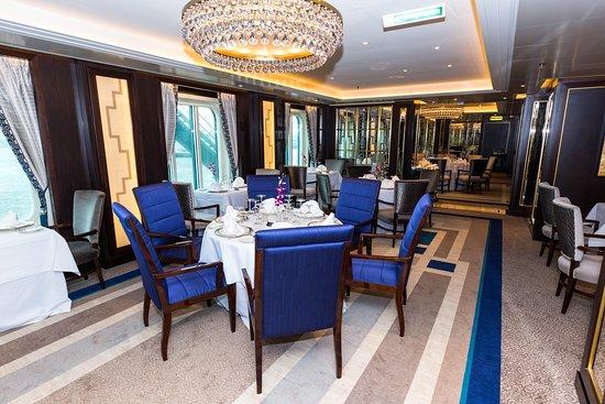Britannia Club Restaurant on Queen Victoria