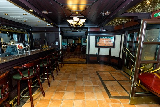 Golden Lion Pub on Queen Victoria