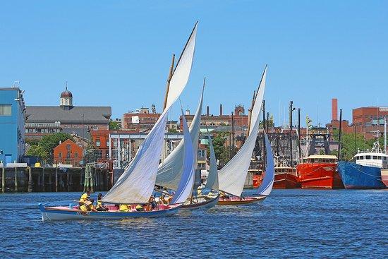 นิวเบดฟอร์ด, แมสซาชูเซตส์: Downtown New Bedford waterfront and harbor