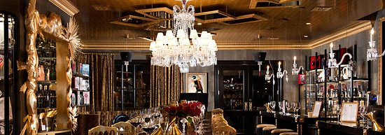 Everything you touch is gold at JCB Tasting Salon - Yountville — almost literally! The #Yountville tasting room is something out of dreams bedecked in lush materials and lux details and highlighting flights of JCB wines alongside a retail space filled with eclectic style curated from the mind of Jean-Charles Boisset.