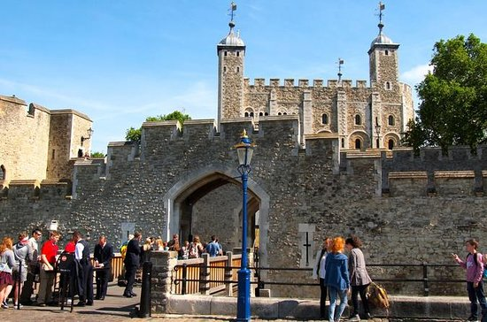Early Access to Tower of London and Behind the Scenes at St Paul's Cathedral: Viator VIP: Exclusive Access to Tower of London and St Paul's Cathedral