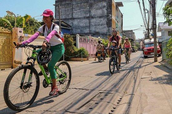 Ver el Real Bangkok en bicicleta y en...