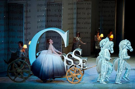 灰姑娘在抒情歌剧院