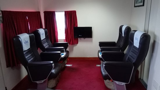 royal class-total 8 seats