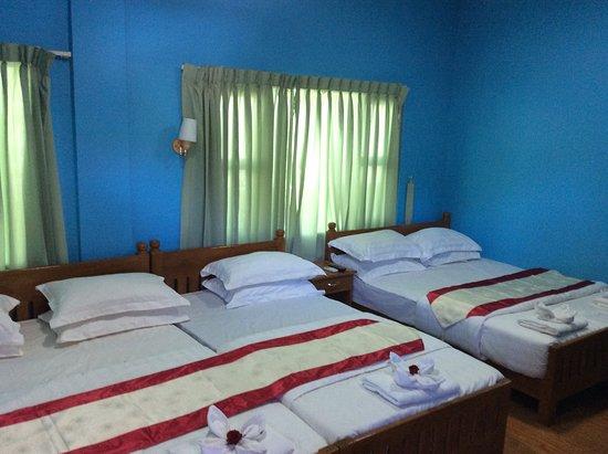 Pleasant House Motel: Family Room