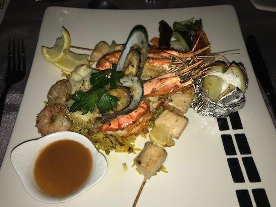 La Plage Restaurant: Indian Ocean Seafood Platter, saffron rice and 3 sauces