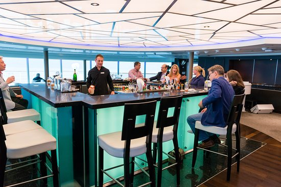 Observation Lounge on Seabourn Quest