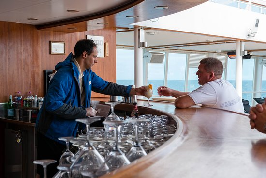 Patio Bar on Seabourn Quest