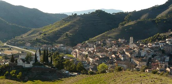 Oficina de Turisme del Priorat: Porrera in the Priorat DOQ wine region