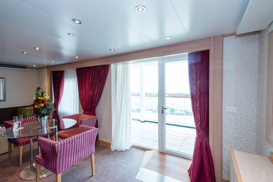 The Accessible Penthouse Suite on Seabourn Quest
