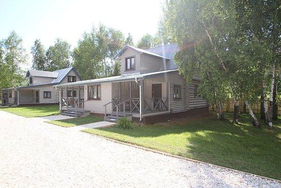 Suzdalsky District, Nga: Уютные коттеджи в скандинавском стиле, рассчитанные на проживание 12 человек.