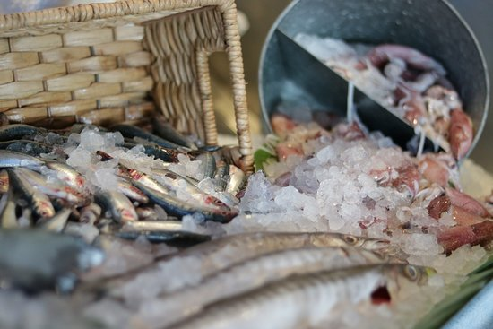 InterContinental Hotel's Fish Market: basket