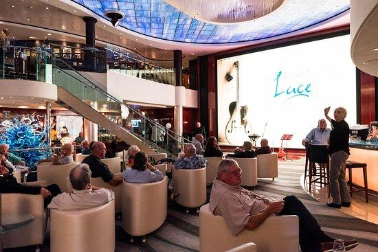 Live Music in the Atrium on Norwegian Pearl