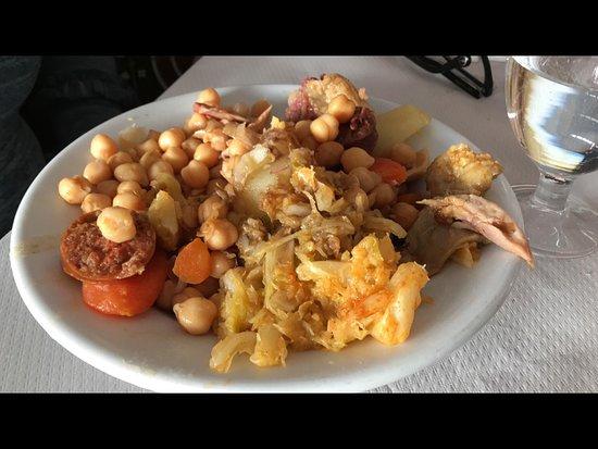 El Pardo, Spain: Cocido del Menú diario.