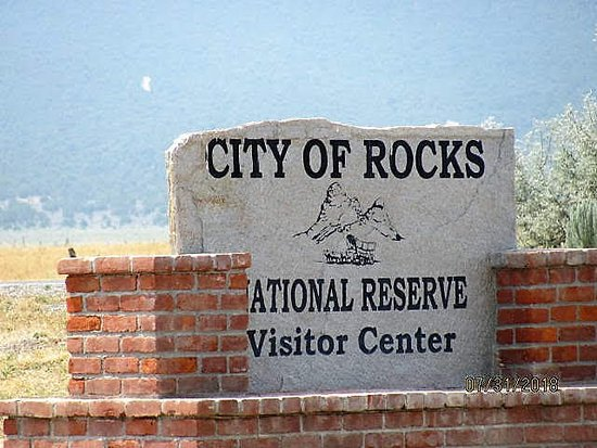 Almo, ID: Entrance sign