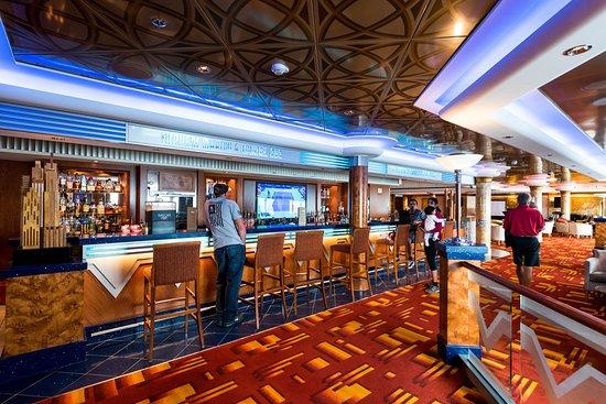 Shaker's Martini & Cocktail Bar on Norwegian Pearl