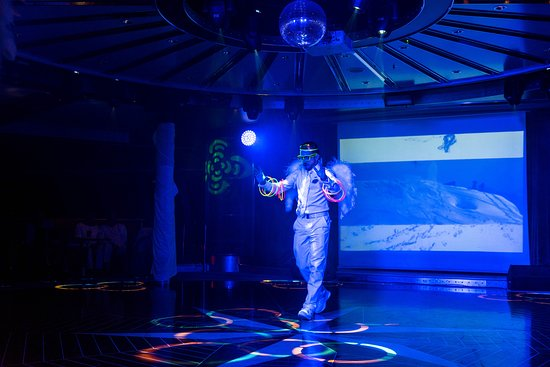 White Hot Party on Norwegian Pearl