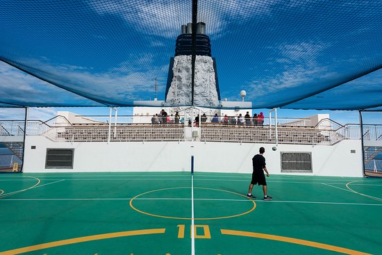 Sport Courts on Norwegian Pearl