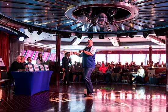 Biggest Liar Show at Spinnaker Lounge on Norwegian Pearl