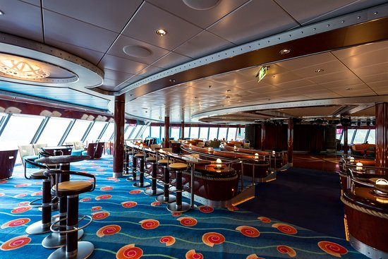 Spinnaker Lounge on Norwegian Pearl