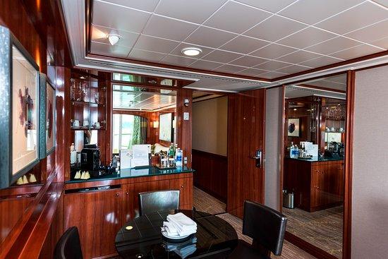 The Haven 2-Bedroom Family Villa on Norwegian Pearl