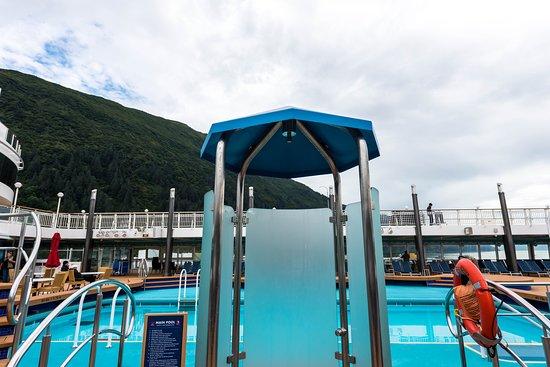 The Pool on Norwegian Pearl