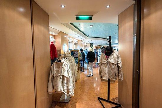 Shops on Norwegian Pearl
